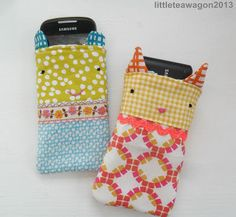 Ok, I have completely fallen in love.  A tutorial for making these wonderful phone cases.