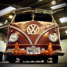 Split window VW bus