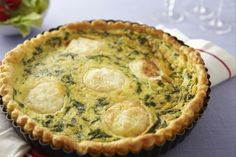 Recipe for goat cheese and spinach pie - Miam - Hühnerrezepte Quiches, Salty Tart, Spinach Cake, Cooking Time, Cooking Recipes, Food Porn, Savory Pastry, Easy Weeknight Meals, Goat Cheese