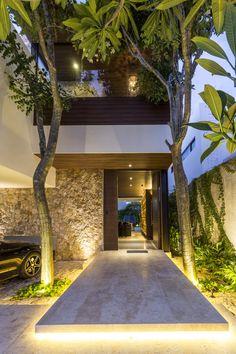 Casa abierta is a Project for a couple of my dearest friends. Entrance Design, House Entrance, Design Exterior, Home Interior Design, Lobby Interior, Luxury Interior, Interior Paint, Tropical Houses, Tropical House Design
