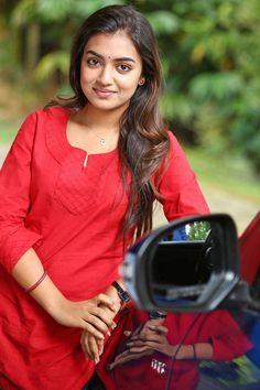 Nazriya Nazim Latest Stills Beautiful Girl Photo, Beautiful Girl Indian, Beautiful Saree, Most Beautiful Bollywood Actress, Beautiful Actresses, Nazriya Nazim, Islamic Girl, Dress Indian Style, Bollywood Girls