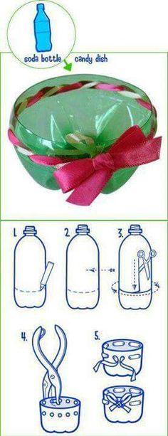 más y más manualidades: Recicla botellas de plástico para tus fiestas.