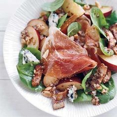 Spinach Salad with Warm Bacon Vinaigrette Recipe on Food & Wine Chef Way Preparing the salad dressing is a multistep process that includes letting chopped shallots soak up the flavors of mustard, thyme and vinegar before mixing them with olive oil. Bacon Spinach Salad, Meat Salad, Spinach Salad Recipes, Soup And Salad, Vegetarian Salad, Food Salad, Creamed Spinach, Tuna Salad, Chicken Salad