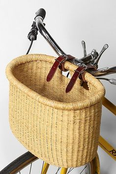 Asungtaba Bike Basket at Urban Outfitters Nantucket Baskets, Bicycle Basket, Deco Originale, Bike Bag, Bike Style, Bike Accessories, Vintage Bicycles, Basket Weaving, Wicker Baskets