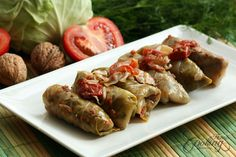 Walnut cabbage rolls, rich, delicious recipe, perfect for cold autumn or winter days. Can be made in advance and served at holiday tables or family gatherings. Vegan Cabbage Rolls, Small Cabbage, Italian Dinner Recipes, Small Tomatoes, Mouth Watering Food, Savoury Dishes, Easy Meals, Healthy Meals, Healthy Food