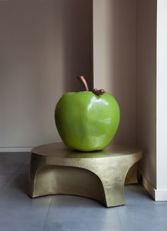Robert Kuo's Curve Table in Brass & Green Lacquer Apple with Worm Modern Lighting, Lighting Design, Organic Form, Decorative Objects, Table Furniture, Home Furnishings, Home Accessories, Tables, Liqueur