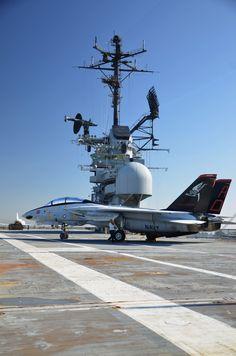 USS Hornet & F14 Tomcat
