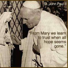I love this picture! Catholic Quotes, Catholic Prayers, Catholic Saints, Roman Catholic, Pope John Paul Ii, Paul 2, Papa Juan Pablo Ii, Inspirational Prayers, Blessed Mother Mary