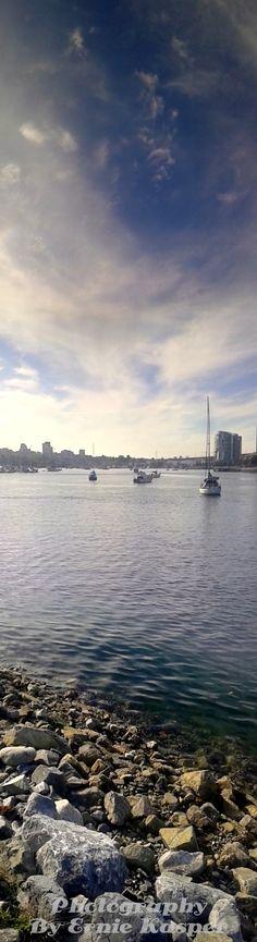 #shoreline #rocks #vancouver #falsecreek #boats #sky #sunshine #beautiful #scenery #panoramic