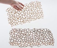 Italian industrial designer Diego Vencato has created a collection of wooden textiles. The fabrics, called Wooden Mesh, were designed to transform wood into a Laser Cut Felt, Laser Cut Fabric, Laser Cut Wood, Laser Cutting, Wall Patterns, Textures Patterns, Fabric Patterns, 3d Laser Printer, Ecole Design