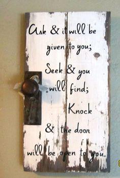 Make your own message signs from vintage wood fragments. Pallet Crafts, Pallet Art, Pallet Signs, Pallet Projects, Wood Crafts, Diy Projects, Pallet Boards, Decor Crafts, Diy Crafts