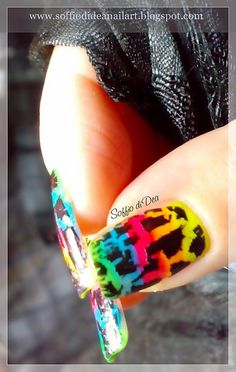 """Graffiti"" Nail Art by Soffio di Dea, via Flickr -Madison"