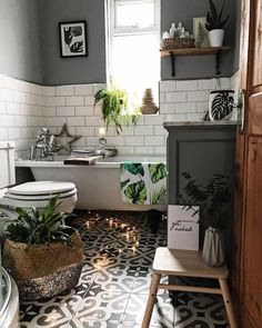 How To Create A Victorian Style Bathroom With A Modern Touch- So erstellen Sie ein Badezimmer im viktorianischen Stil mit einem modernen Touch - Cozy Bathroom, Bathroom Styling, Bathroom Interior Design, Master Bathroom, Bathroom Grey, Bathroom Toilets, Bohemian Bathroom, Bohemian Bedrooms, Bathroom Modern