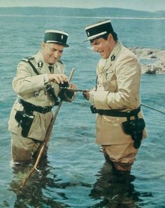 le gendarme de saint tropez cruchot (de funes) et gerber (galabru) l'ouverture des oursins