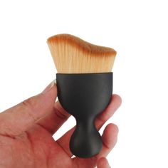 Usstore 1PC Shadow Contour Makeup Brush Beauty Brushes Foundation Tool Make Up For Professional Women Lady (Black). Quantity: 1pcs Makeup Brush Used for eyebrows,eyelashes,eyes and cheeks makeup. Material: nylon wool. USSTORE has been committed to creating cosmetics that make women look their best--Our makeup brush set will show your natural beauty and leave a flawless finish. Notes: If used daily,we recommend washing your brush once a week with a mild cleanser,Clean 2 weeks 1 time,baby...