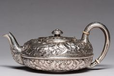 19th C. Sterling Silver Teapot 549g