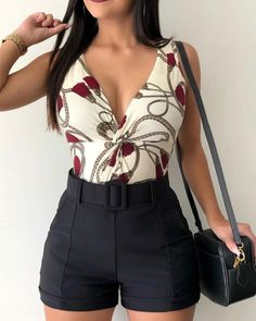 Pantalones cortos casuales sólidos de cintura alta Cute Casual Outfits, Short Outfits, Pretty Outfits, Casual Dresses, Casual Shorts, Summer Outfits, High Waisted Shorts Outfit, Trend Fashion, Fashion Outfits