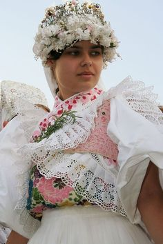 slovak-folk-costumes: Bride from town Detva, Podpoľanie region, Central Slovakia. Bratislava, Traditional Wedding, Traditional Dresses, Costumes Around The World, Wedding Costumes, Bridal Crown, Folk Costume, People Of The World, Art Plastique