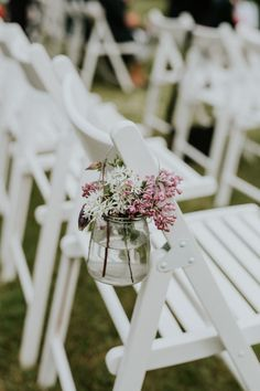 Charming pink and white floral decor | Image by Camilla Jørvad