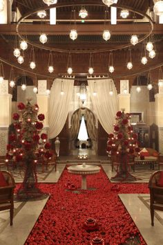 Look closely and you'll see our sumptuous#Christmastree at the #RoyalMansour,#Marrakech.