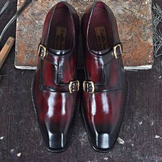 Model LAURO - A double-buckle model entirely handmade in calfskin with burgundy bleached effect.  www.emillosanto.com