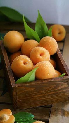 Fruit Love, Fruit And Veg, Fruits And Vegetables, Fresh Fruit, Fruit Tray Designs, Fruits Photos, Kinds Of Fruits, Fruit Photography, Beautiful Fruits