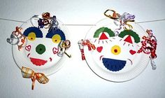 Masks made of cardboard and zigzag scissors – Mardi Gras tinker – My grandchildren and I – Made with schwedesign. Paper Plate Art, Paper Plate Crafts, Paper Plates, Clown Crafts, Cardboard Mask, Kindergarten Crafts, Mask Making, Mardi Gras, Painted Rocks