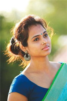 Ramya Pandian hot stills in saree. Ramya Pandiya who is known for her role in Joker movie is going viral recently with her photoshoot in saree. Indian Actress Hot Pics, Tamil Actress Photos, Indian Actresses, Beautiful Girl Indian, Most Beautiful Indian Actress, Beautiful Saree, Beautiful Women, South Actress, South Indian Actress