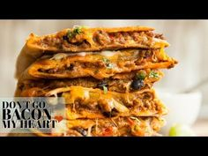 These Cheesy Ground Beef Quesadillas are made with a homemade spice mix, two different cheeses and bulked out with black beans and red pepper. Better still, they're SO easy to make! Chicken Nachos Recipe, Chicken Fajitas, Chicken Recipes, Ground Beef Quesadillas, Homemade Fajita Seasoning, Potato Patties, Quesadilla Recipes, Homemade Spices, Food Shows