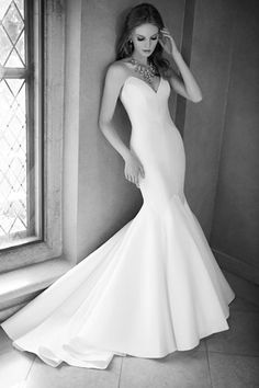 32 of the best fishtail wedding dresses | Martina Liana
