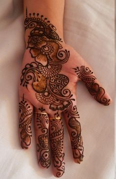 If you are looking for some inspiration for your wedding, check out these stunning Arabic bridal mehndi designs for hands