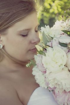 A Bride and her spring bouquet