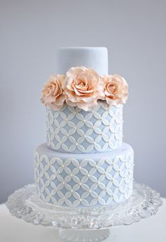 Browse the most creative and pretty wedding cake photos and designs for a…