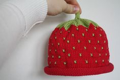 Livets kreativa stunder: Jordgubbsmössa till Mini Baby Barn, Baby Knitting, Knitted Hats, Needlework, Beanie, Mini, Sewing, Create, Crochet