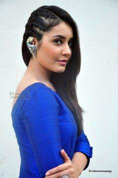 Rashi-Khanna-at-Supreme-movie-success-meet-(8)