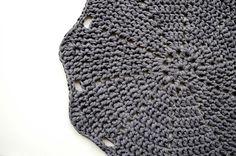 Doily Crochet Rug LUULO / Boho Area Rag / Chunky por byBUUBOK