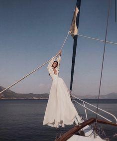 Wedding Dresses Boho Open Back .Wedding Dresses Boho Open Back Paris Outfits, Summer Outfits, Beauty Dish, You Are The Sun, Foto Pose, Jolie Photo, Best Wedding Dresses, Modest Wedding, Mode Inspiration