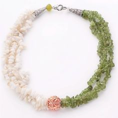 Shell Choker Necklace Women Natural White Shell and Olive Stone Chips Necklace Jewelry(China (Mainland))