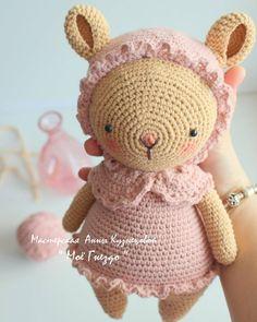 "83 Me gusta, 18 comentarios - РУЧНАЯ РАБОТА handmade Казань (@moe_gnezdo_handmade) en Instagram: ""Всем Доброго ☀☀☀ Солнечного Дня !!! И вот такую милую мою мышку в ленту   Как Вам?…"" Amigurumi Toys, Baby Gifts, Free Pattern, Bunny, Crochet Hats, Teddy Bear, Dolls, Easter, Animals"
