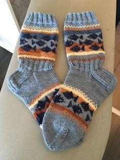 Cool Socks, Awesome Socks, Knit Stockings, Knitting Socks, Ravelry, Arts And Crafts, Barn, Android, Handmade