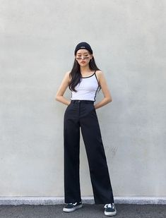 Flawless Summer Outfits Ideas For Slim Women That Looks Cool - Oscilling Korean Fashion Trends, Korean Street Fashion, Korea Fashion, Asian Fashion, Look Fashion, Girl Fashion, Fashion Design, Fashion Guide, Fashion Ideas