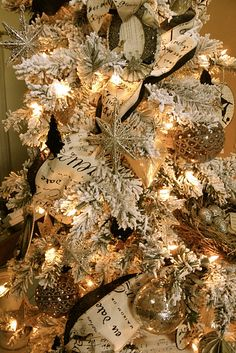 One day I would like to try a flocked tree in one of my rooms in the house