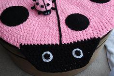 Ladybug handmade circle rug with crochet ladybug. by irynabat25, $100.00