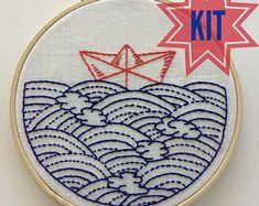 Kit complet de broderie: Thème d'océan «Espoir flotte My Boat», bateau en origami, sashiko, nautique, maritime, plage