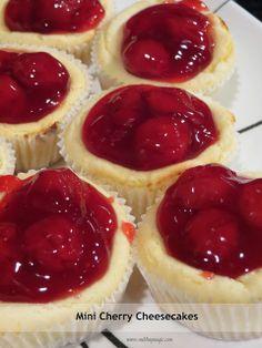 WHATiLiKEtoEAT:: Mini Strawberry Cheesecake Bites ~ will make gluten free with GF graham cracker crumbs Mini Desserts, Just Desserts, Delicious Desserts, Yummy Food, Famous Desserts, Individual Desserts, Wedding Desserts, Holiday Desserts, Mini Cherry Cheesecakes