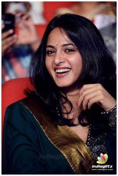 Anushka Images, Anushka Latest Photos, Anushka Photos, Beautiful Girl Indian, Beautiful Indian Actress, Beautiful Actresses, Actress Anushka, Beauty Full Girl, Beauty Women