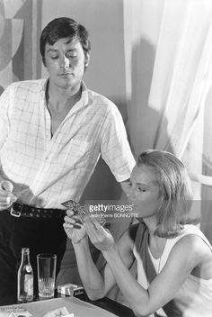 Alain Delon et Romy Schneider lors du tournage du film 'La Piscine' réalisé par Jacques Deray en août 1968 à Ramatuelle, France.