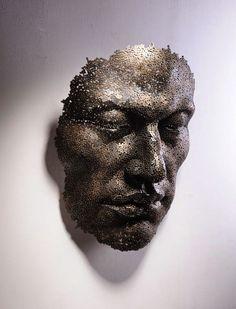 Seni Patung dari Rantai Karya Seo Young Deok