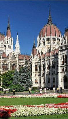 The Parlement of Budapest, Hungary Beautiful Buildings, Beautiful Places, Places Around The World, Around The Worlds, Saint Marin, Places To Travel, Places To Visit, Hungary Travel, Central Europe