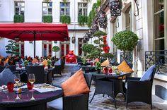 Los mejores establecimientos de 2015, según los Villégiature Awards.  Buddha Bar Hotel, Mejor Servicio.